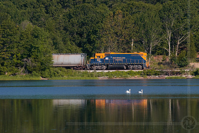 NECR northbound along the Thames River in Uncasville, CT