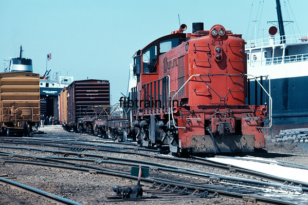 AA1982040010 - Ann Arbor, Elberta, MI, 4/1982