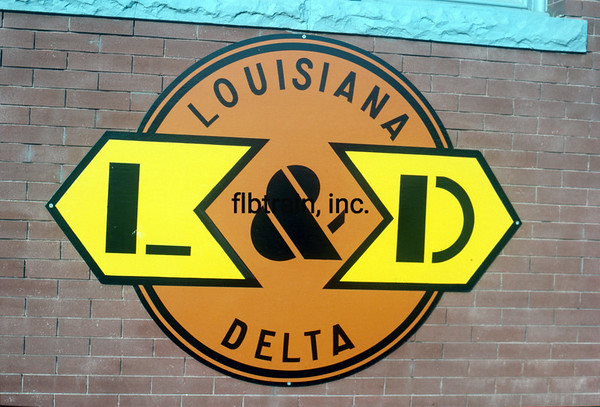 LD1987081002 - Louisiana & Delta, New Iberia, LA, 8-1987