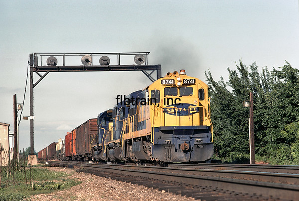 SF1975060030 - Santa Fe, Quenemo, KS, 6/1975
