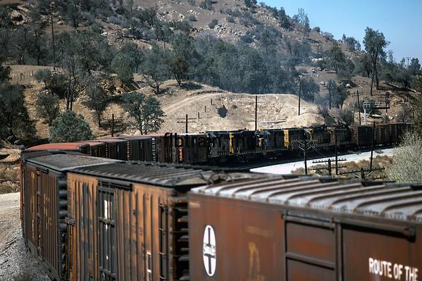 SF1977090952 - Santa Fe, Tehachapi, CA, 9/1977