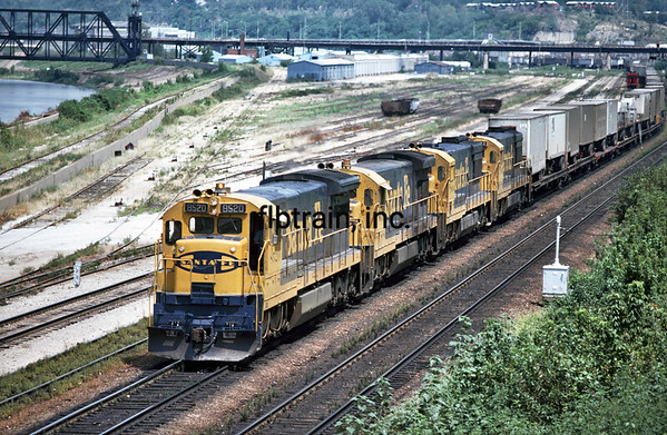SF1977080517 - Santa Fe, Argentine Yard, KS, 8/1977