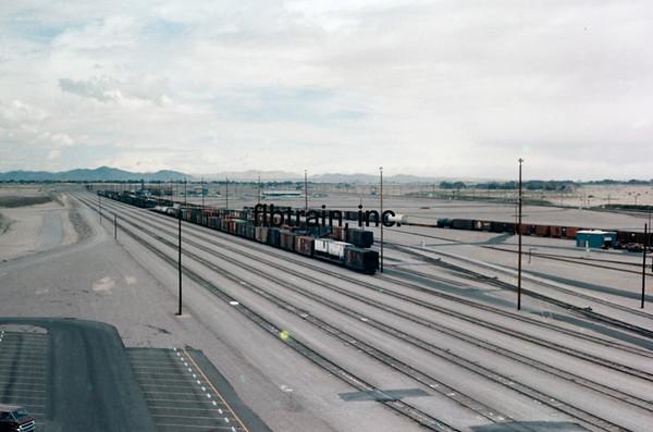 SF1976050001 - Santa Fe, Barstow Yard, CA, 5/1976