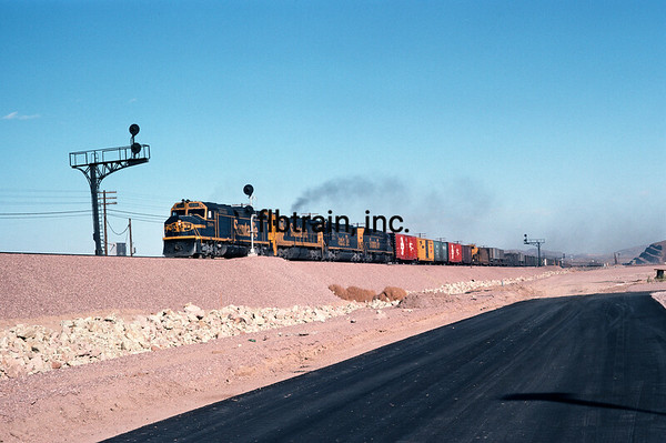 SF1975110003 - Santa Fe, Barstow Yard, CA, 11/1975