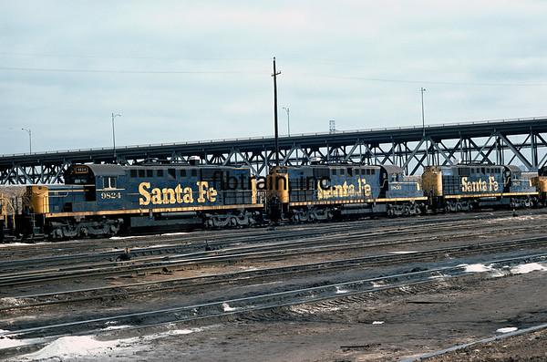 SF1975020009 - Santa Fe, Argentine Shops, KS, 2/1975