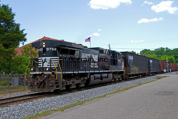 NS2013060028 - Norfolk Southern, Mapleville, AL, 6/2013