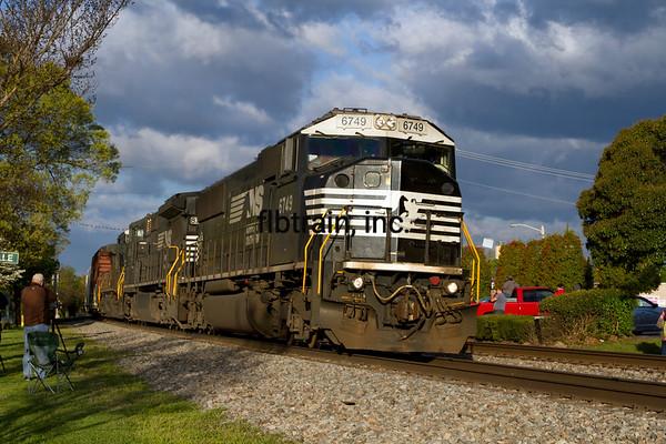 NS2016040352 - Norfolk Southern, Thomasville, NC, 4/2016