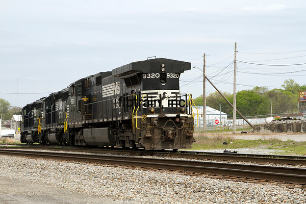 NS2016040321 - Norfolk Southern, Cleveland, TN, 4/2016
