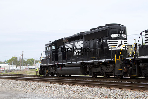 NS2016040335 - Norfolk Southern, Cleveland, TN, 4/2016