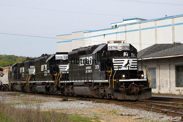 NS2016040104 - Norfolk Southern, Cleveland, TN, 4/2016