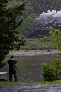 Bob LaMay gets a shot across Pratt Cove in Deep River