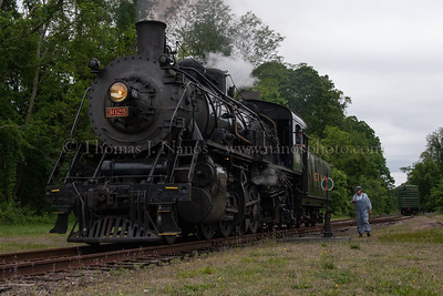 Lerro Productions Valley RR Charter May 2012 No 3025 over the switch at Goodspeed