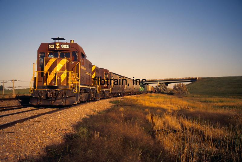 RRV1995090012 - Red River Valley & Western, Wapheton Jct., ND, 9-1995
