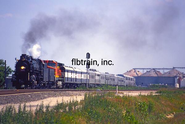 BNSF2001055128 - BNSF, Saginaw, TX, 5/2001