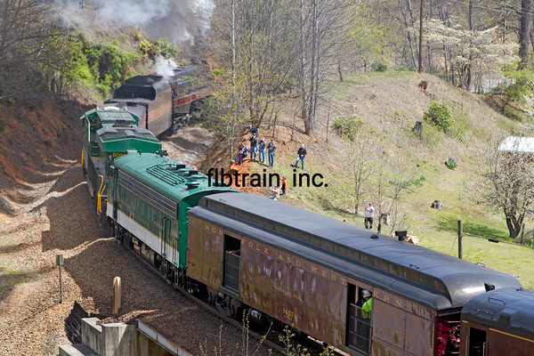 NW2016040172 - Norfolk & Western, The Loops, NC, 4/2016