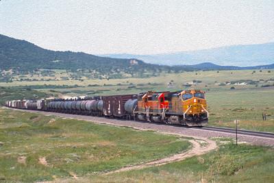BNSF2001060110 - BNSF, Branson, CO, 6-2001
