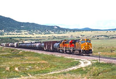 BNSF2001060111 - BNSF, Branson, CO, 6-2001