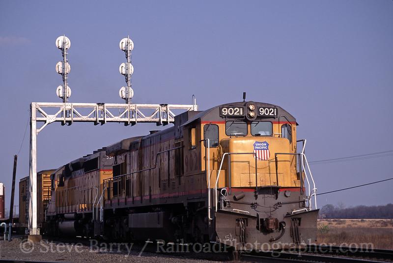 Photo 1827<br /> Union Pacific; North Little Rock, Arkansas<br /> March 27, 1993