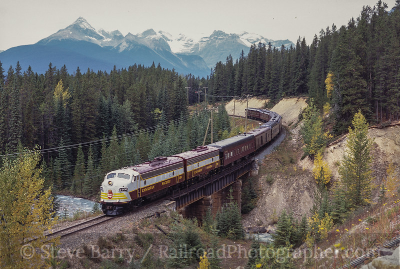 Photo 2521<br /> Royal Canadian Pacific; Old Ottertail (Field), British Columbia<br /> September 2000