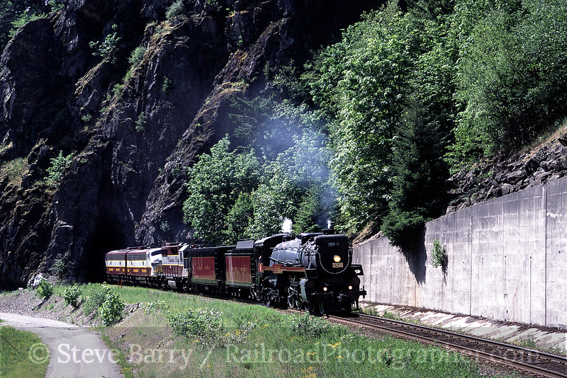 Photo 0149<br /> Canadian Pacific 2816; Yale, British Columbia<br /> May 2004