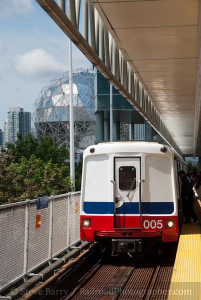 Photo 2090<br /> SkyTrain; Main Street, Vancouver, British Columbia<br /> June 16, 2011