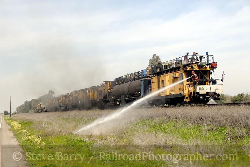 Photo 1114<br /> Union Pacific Rail Grinder; Lodi, California<br /> March 7, 2008
