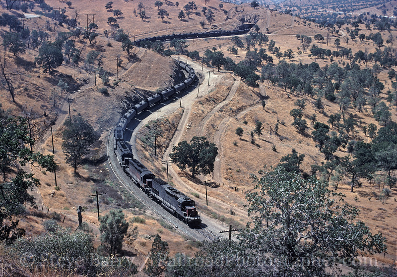 Photo 1668<br /> Southern Pacific; Tunnel 10, Walong, California