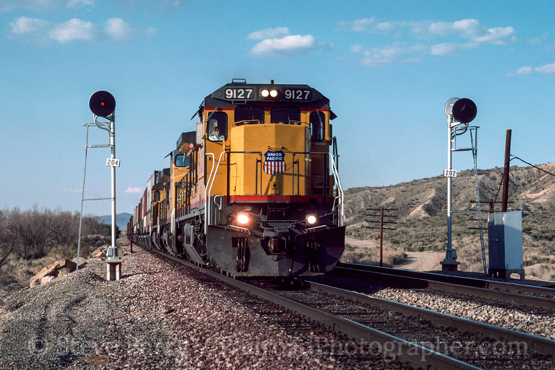 Photo 3015<br /> Union Pacific; Hillendale, California<br /> May 1991