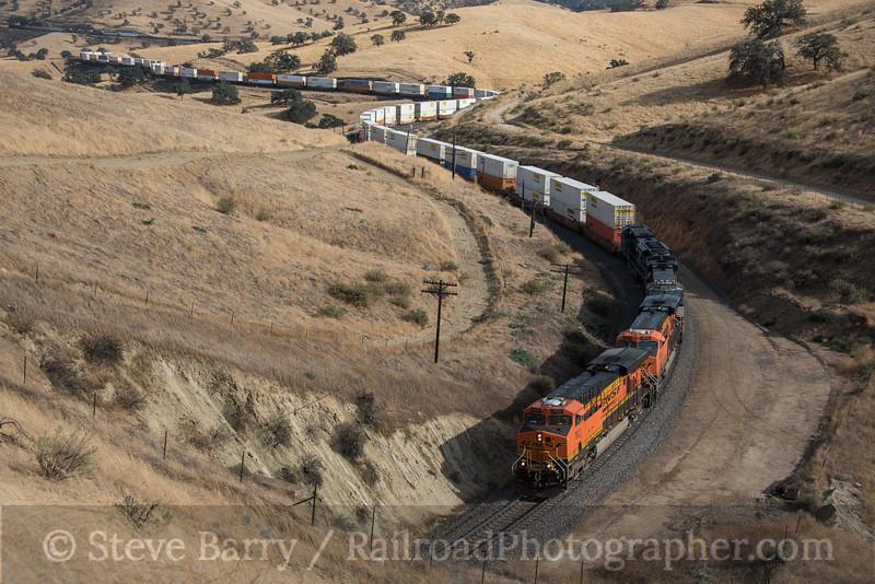 Photo 4343<br /> BNSF Railway<br /> Caliente, California<br /> September 25, 2017