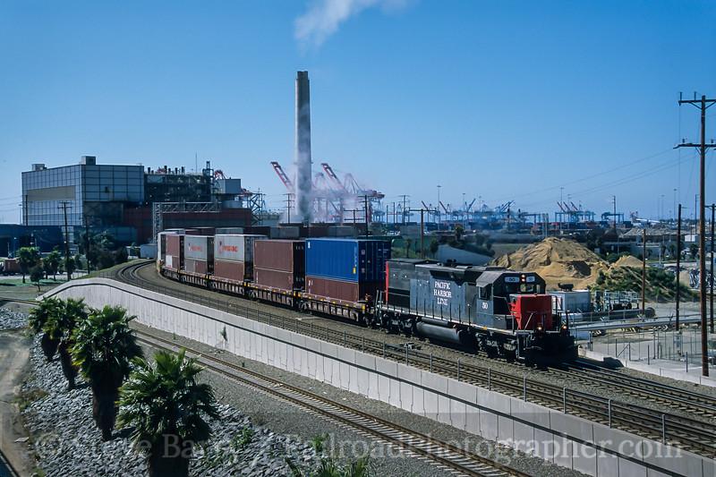 Pacific Harbor Line; Long Beach CA; 3/2006