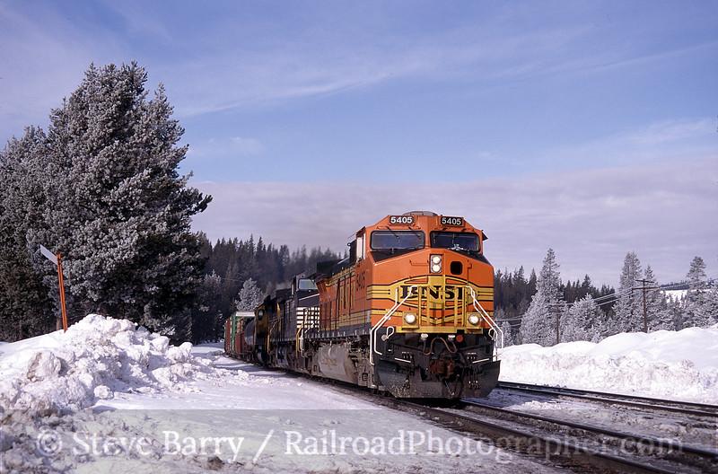 Photo 1183<br /> Burlington Northern & Santa Fe (on Union Pacific); Soda Springs, California<br /> March 2001