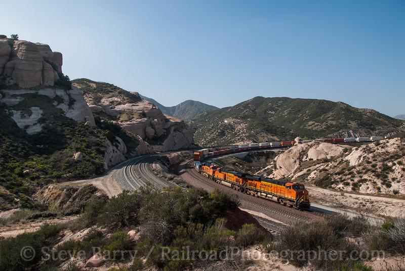 Photo 2321<br /> BNSF Railway; Sullivan's Curve, Cajon, California<br /> March 13, 2012