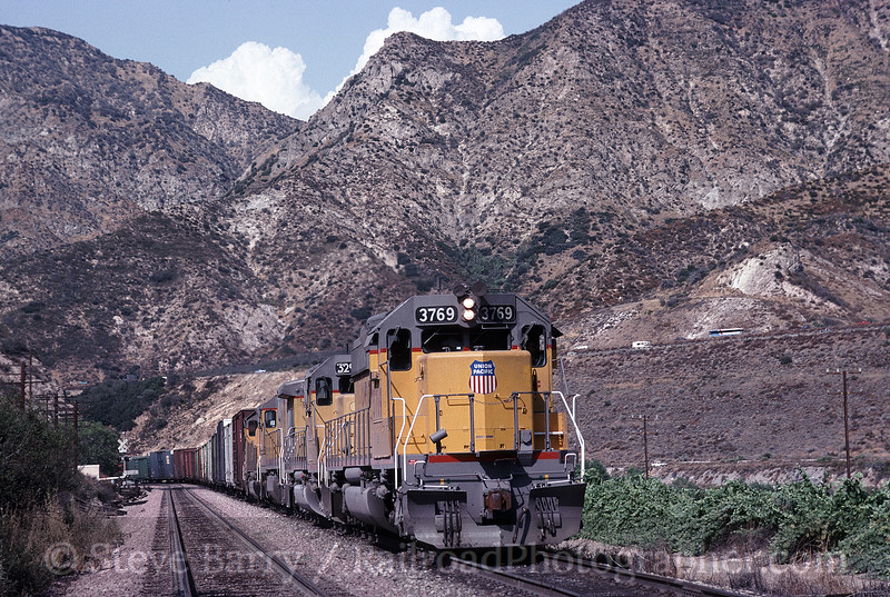Photo 1497<br /> Union Pacific; Keenbrook, California<br /> August 1, 1992