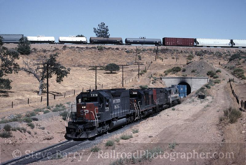 Photo 1625<br /> Southern Pacific; Tehachapi Loop, Walong, California