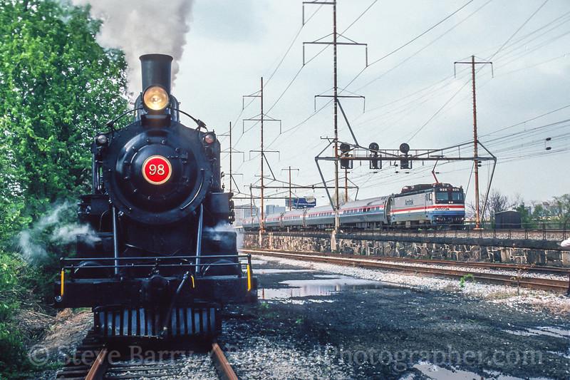 Wilmington & Western and Amtrak; Wilmington DE; 5/1992