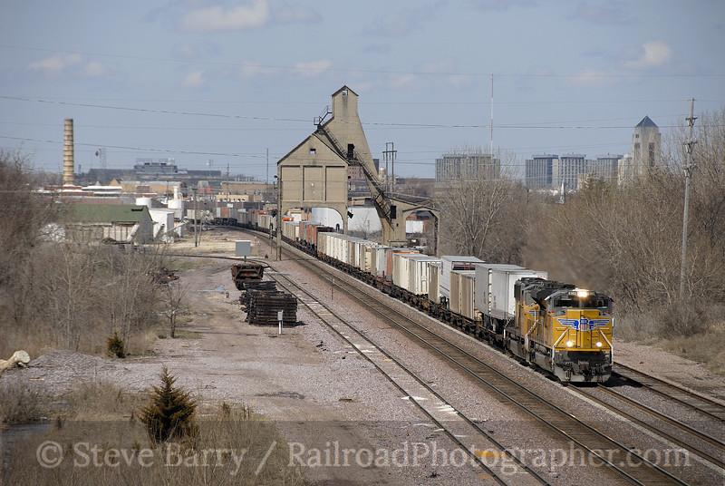 Photo 1142<br /> Union Pacific; DeKalb, Illinois<br /> April 14, 2008