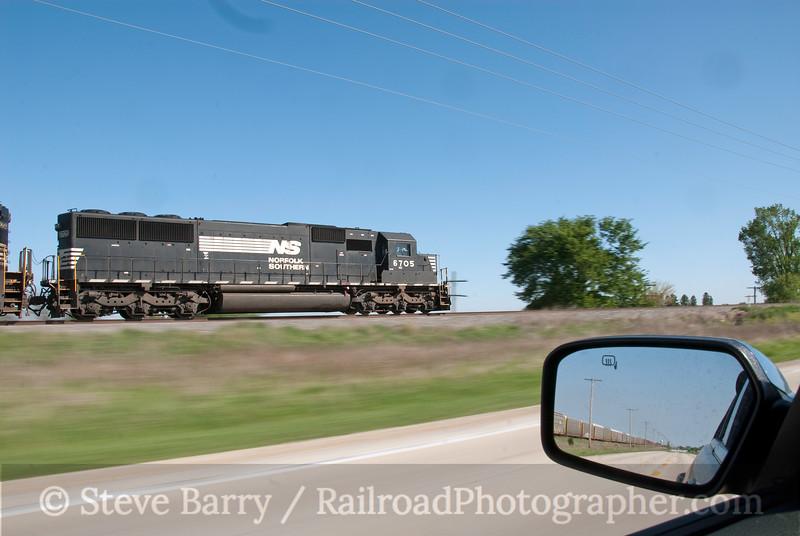 Photo 1860<br /> Norfolk Southern (on CN); Roberts, Illinois<br /> April 28, 2010
