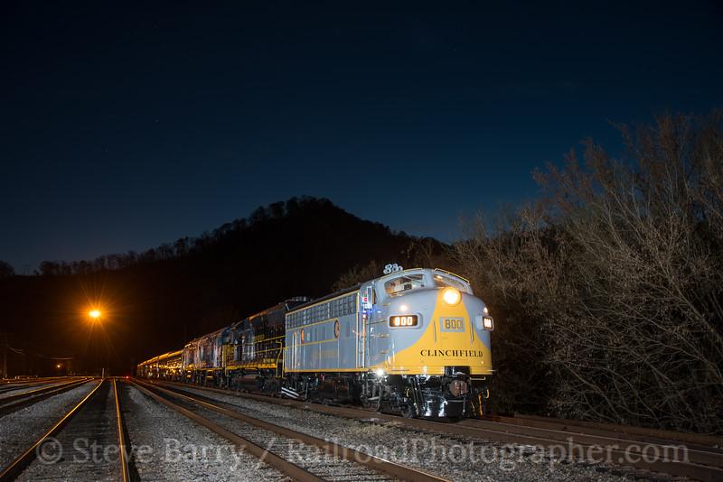 Photo 4422<br /> Clinchfield Santa Train<br /> Shelbiana, Kentucky<br /> November 17, 2017