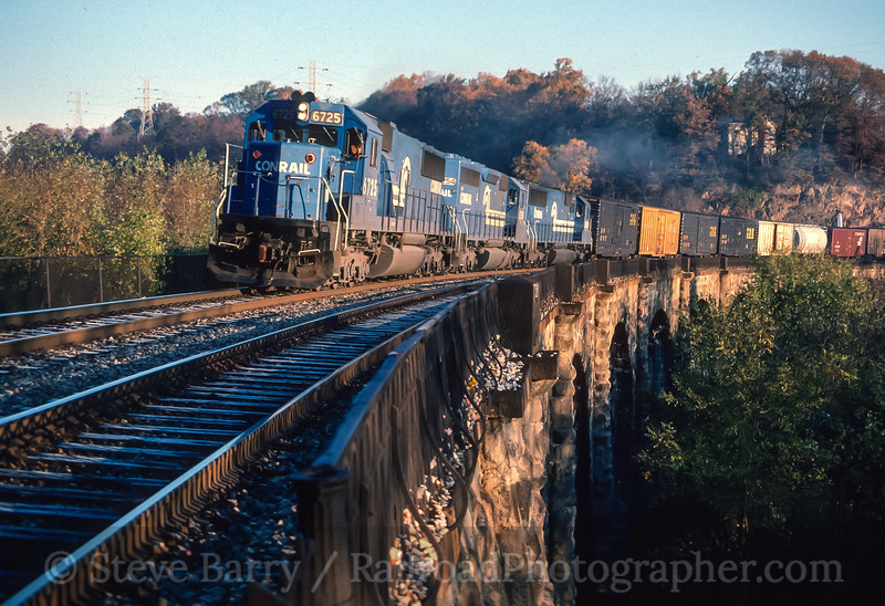 Photo 4121<br /> Conrail (on CSX); Thomas Viaduct, Relay, Maryland<br /> December 1989