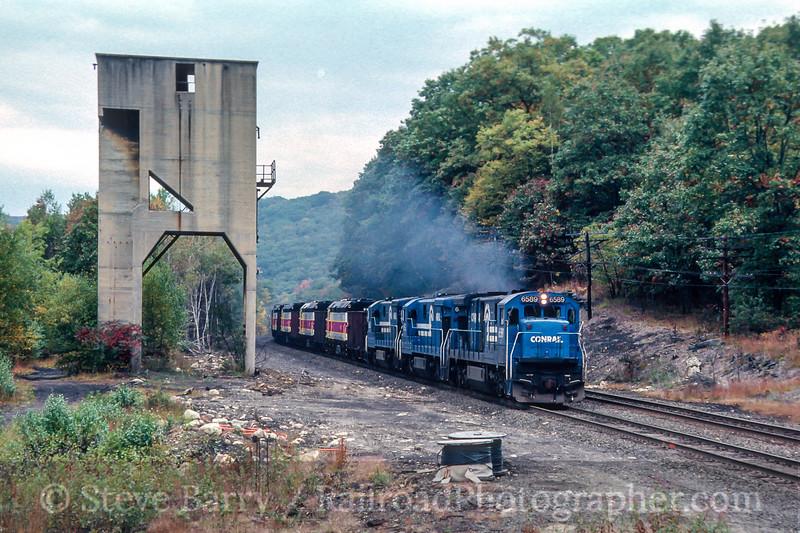 Photo 4493<br /> Conrail<br /> Chester, Massachusetts<br /> October 1987