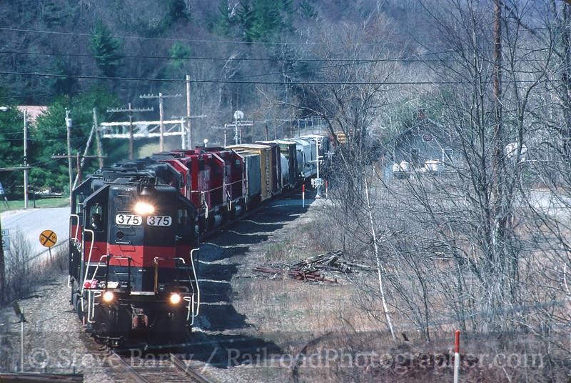 Photo 4533<br /> Guilford Transportation<br /> Charlemont, Massachusetts<br /> April 2000