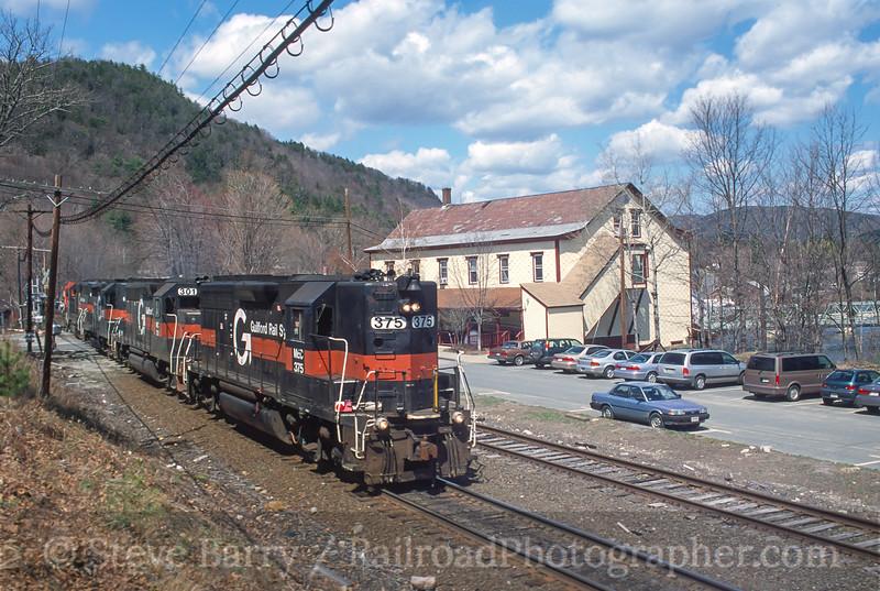 Photo 4449<br /> Guilford Transportation System<br /> Shelburne Falls, Massachusetts<br /> April 2000