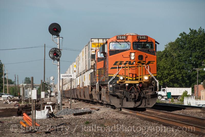 Photo 2362<br /> BNSF Railway: Hardin, Missouri<br /> June 14, 2012