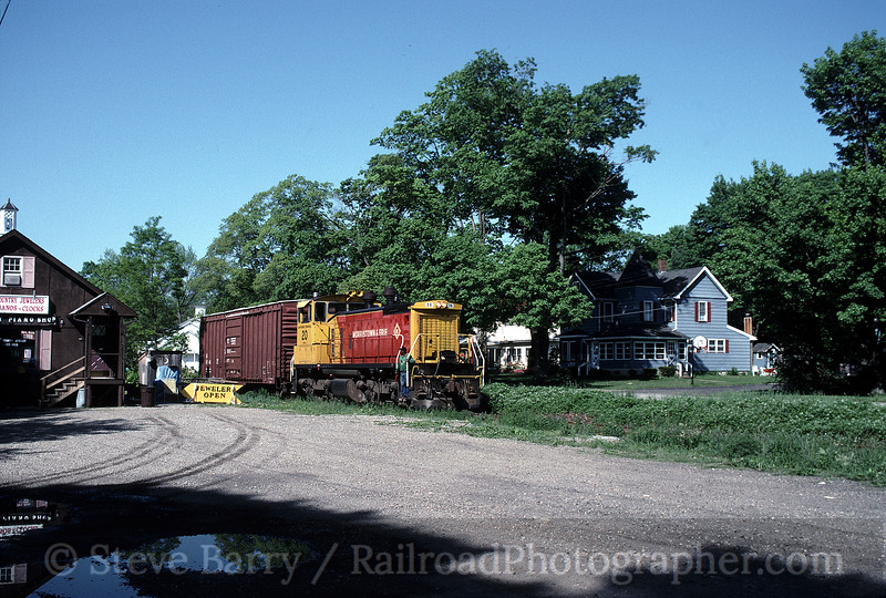 Photo 0303<br /> Morristown & Erie; Flanders, New Jersey<br /> May 14, 1998