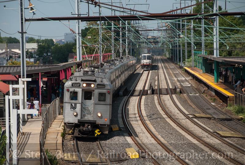 Photo 2491<br /> New Jersey Transit; Elizabeth, New Jersey<br /> July 31, 2010