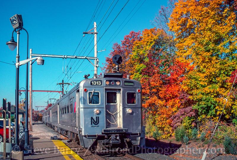 Photo 2104<br /> New Jersey Transit; Far Hills, New Jersey<br /> November 1, 1999