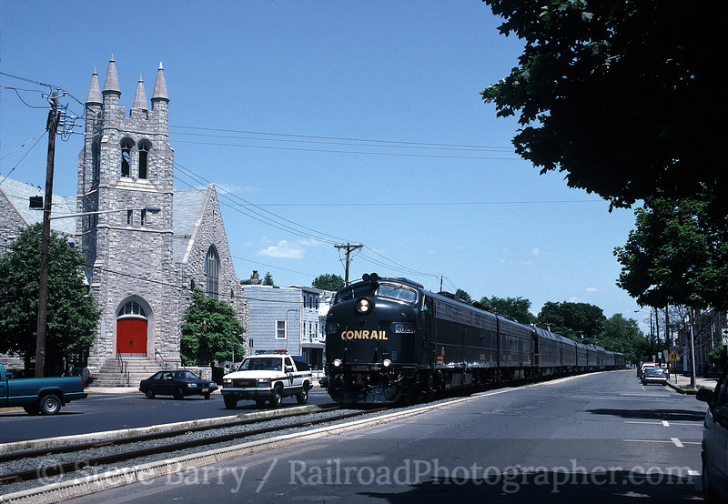 Photo 0182<br /> Conrail; Burlington, New Jersey<br /> May 31, 1996