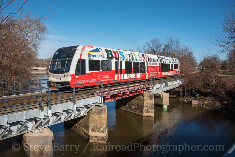 Photo 4502<br /> RiverLine (NJT)<br /> Burlington, New Jersey<br /> January 20, 2018