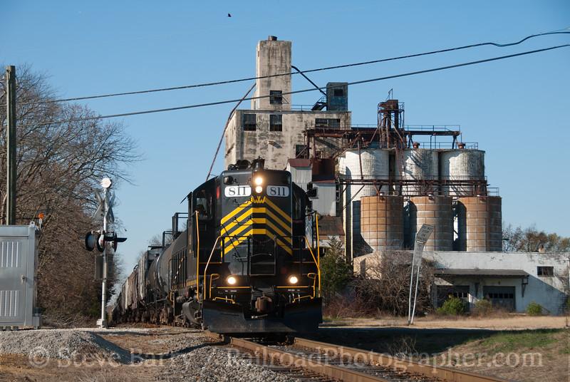 Photo 2266<br /> Winchester & Western; Vineland, New Jersey<br /> November 18, 2011