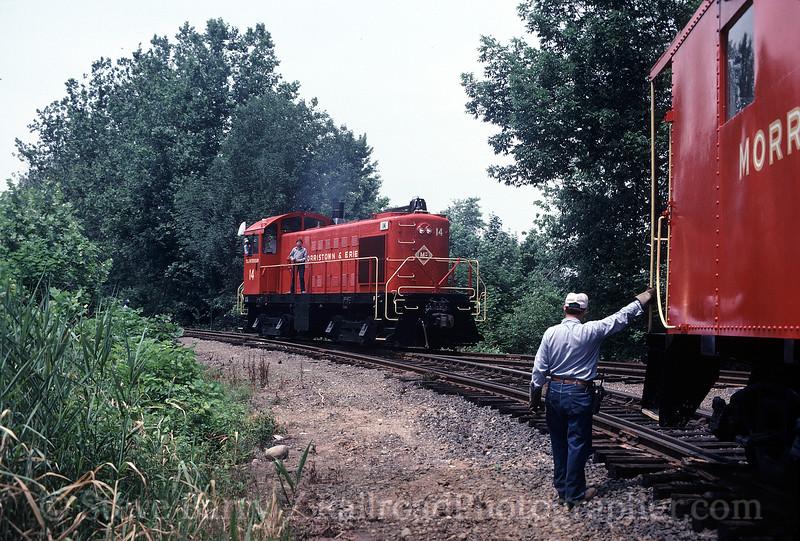 Photo 1296<br /> Morristown & Erie; Roseland, New Jersey<br /> June 26, 1982
